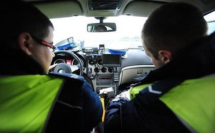 Podwyżki dla policjantów i strażaków. Służby dostaną nowe samochody, broń i radary