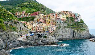 Skaliste wybrzeże Cinque Terre ciągnie się przez 10 kilometrów