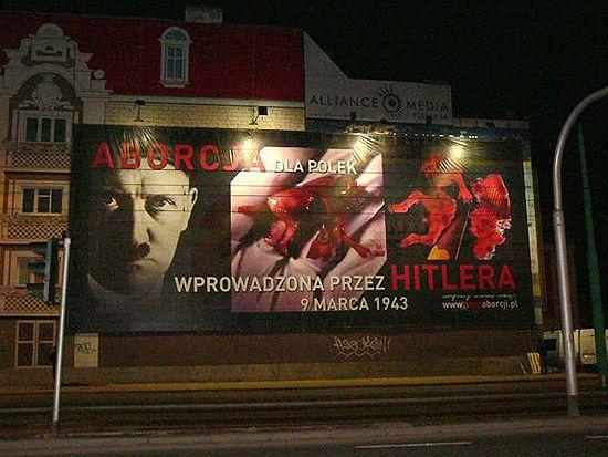 Hitler i krwawe szczątki ludzkich płodów w środku miasta