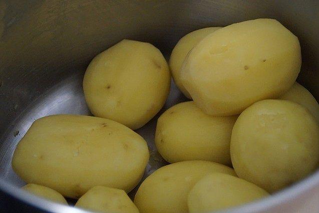 Surowe ziemniaki