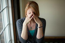 Jaki jest związek między przewlekłym bólem głowy a depresją?