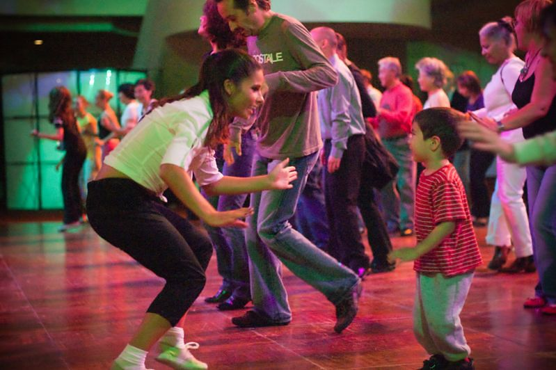 Aktywność fizyczna dzieci - taniec z dzieckiem