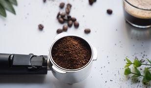 Pyszna kawa z rana. Postaw na dobrej jakości ekspres