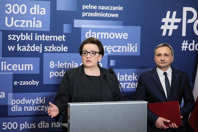 Strajk nauczycieli 2019. Anna Zalewska powiedziała, że egzaminy przebiegają bez zakłóceń