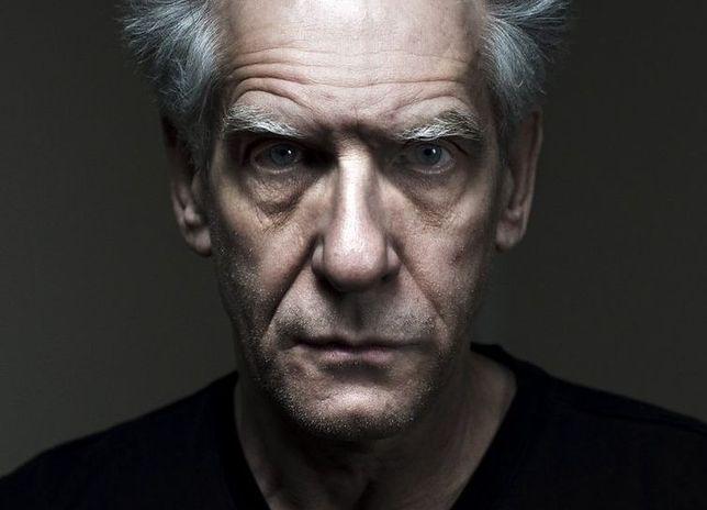 David Cronenberg jest reżyserem filmów wpisujących się w nurt kina gore, a w 2014 roku zadebiutował jako autor powieści