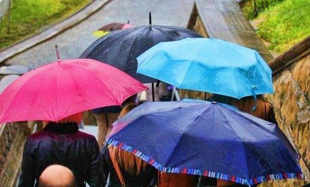 W Warszawie będzie pochmurnie i deszczowo. Poprawa dopiero w weekend