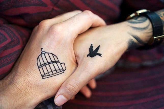 Małe tatuaże są idealnym rozwiązaniem dla par