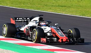 Samochód Formuły 1 VF-18 firmy Haas F1 Team