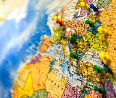 Dzięki mapie można przebić się przez całą planetę. No, prawie...