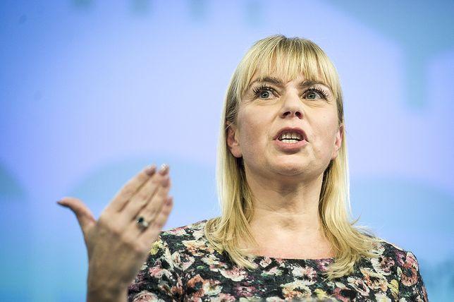Komisja Europejska sprawdzi, czy potrzebujemy jednego standardu ładowarek. Elżbieta Bieńkowska na czele zespołu