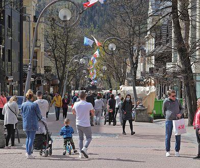 Krupówki odwiedza coraz więcej turystów