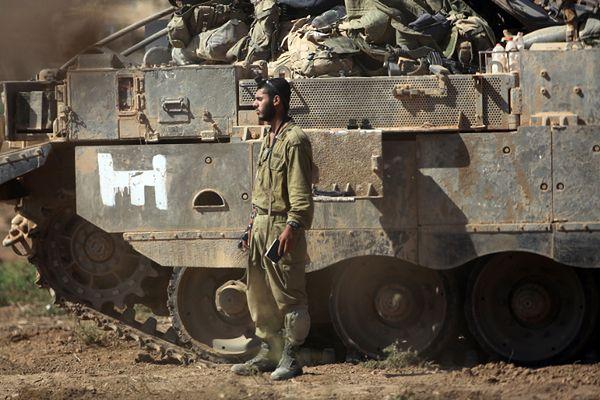 Izraelskie siły w pobliżu granicy ze Strefą Gazy
