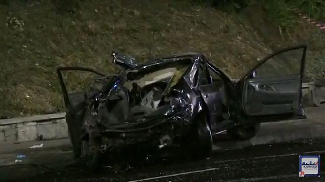 Lublin: kierowca wpadł na słup. Dwie osoby nie żyją