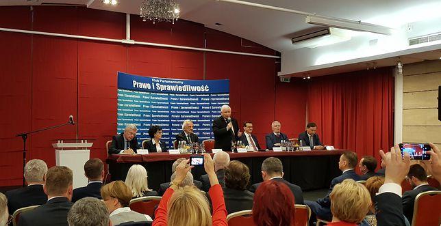 Pierwsze posiedzenie klubu parlamentarnego PiS w tej kadencji