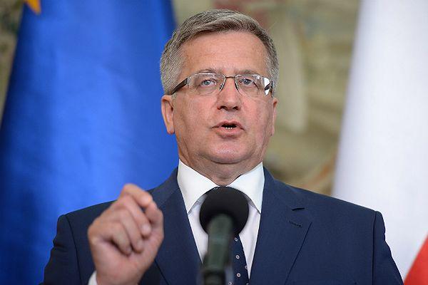 Prezydent Bronisław Komorowski przyspieszył awanse generalskie dla 18 oficerów