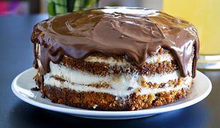 Ciasto marchewkowe z polewą czekoladową