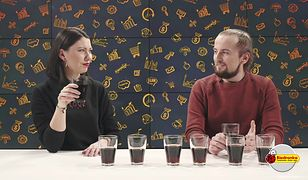 Test napojów gazowanych z kofeiną. Czy da się odróżnić tylko po smaku - Coca-Colę od Pepsi?