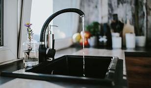 Odpływ można odetkać za pomocą tanich, domowych sposobów