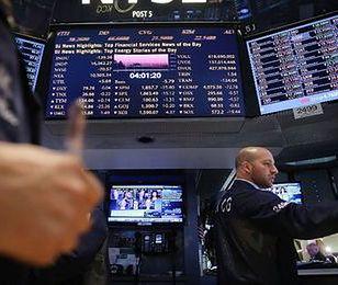 Duże banki wykorzystują sytuację, licząc wysokie prowizje inwestorom giełdowym