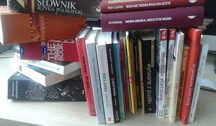 Mówi się, że Polacy nie czytają książek. Ten widok zaprzecza wszelkim teoriom