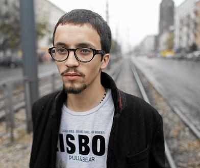 Samuel Pereira jest redaktorem naczelnym portalu tvpinfo.pl