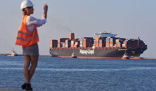 W czasie sztormu ogromny frachtowiec na Morzu Północnym stracił 270 kontenerów (zdj. ilustracyjne)