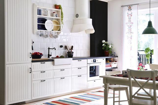 W ostatnich latach więcej mebli kuchennych wybieranych jest w wersji błyszczącej