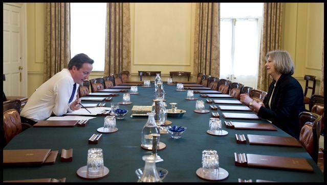 """Theresa May: następczyni """"Żelaznej Damy""""?"""