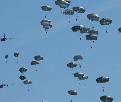 Największa od kilku dekad operacja powietrznodesantowa w Polsce. Pod Toruniem wylądują prawie dwa tysiące żołnierzy
