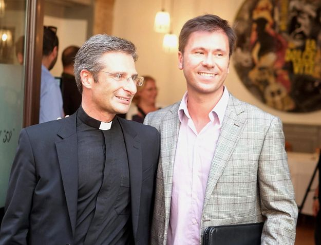 Krzysztof Charamsa z partnerem