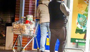 Przez to jak wyglądają sklepy w soboty, przybywa przeciwników zakazu handlu w niedzielę.