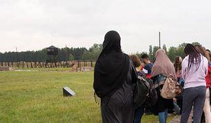 Uczniowie z Berlina zwiedzają obóz w Majdanku