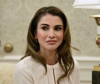 """Rania, królowa Jordanii, pojawiła się na okładce marcowego numeru magazynu """"Harper's Bazaar"""""""