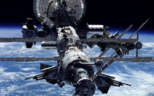 作りが複雑そうな宇宙船画像