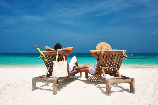 Jak wykorzystać zaległy urlop? Last minute - grudniowa wyprzedaż wakacji