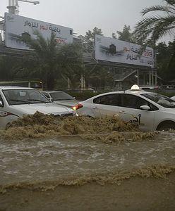 Arabia Saudyjska. Ulewne deszcze doprowadziły do gwałtownych powodzi