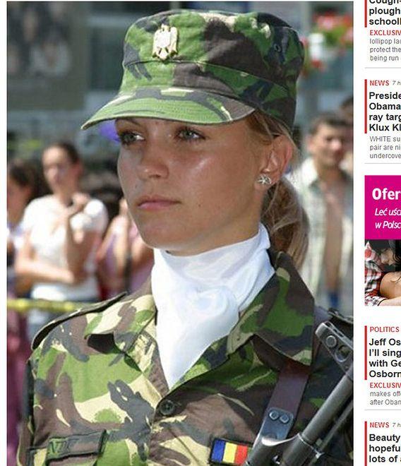 Rumuńska rekrutka najpiękniejszą żołnierką według Daily Mail