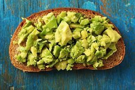 Awokado - kalorie, właściwości, wpływ na zdrowie, działanie antynowotworowe, awokado a cholesterol, jak wybrać awokado