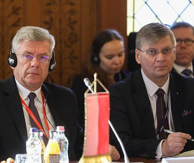 Szefem Instytutu jest były pracownik MSZ, dr hab. Maciej Szymanowski ( drugi od lewej)