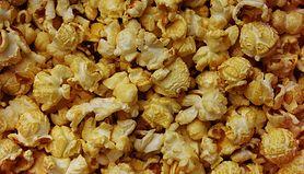 Popcorn z polewą karmelową bez orzeszków ziemnych