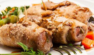 Roladki z kurczaka nadziewane jabłkami. Soczyste i delikatne mięso