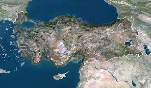 To właśnie w dolinie Eufratu znajdują się największe syryjskie złoża ropy i gazu