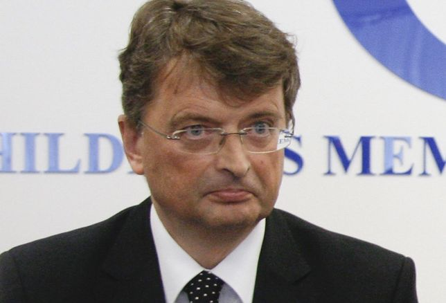 Prof. Ryszard Grenda leczy Hanię Kukiz