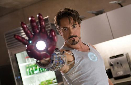 "Robert Downey Jr. jako Iron Man w ""Avengers: Wojna bez granic"""