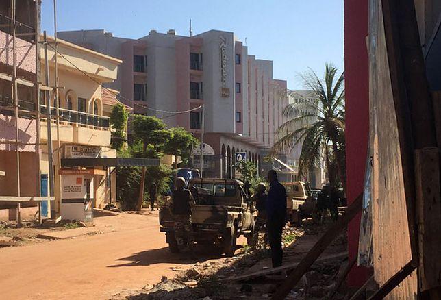 Zakładnicy z hotelu w Bamako uwolnieni. W środku znaleziono 18 ciał