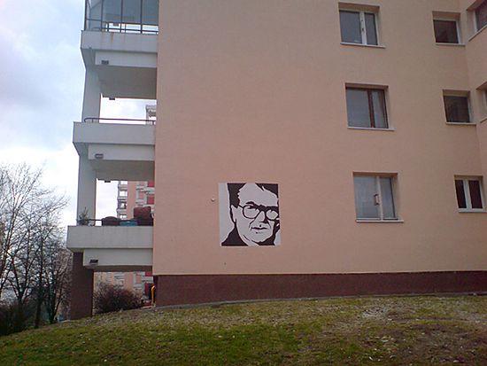 Blok na ulicy Sonaty, gdzie mieszkał i umarł Zdzisław Beksiński