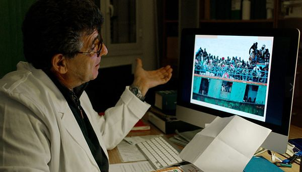 """Film """"Fuocoammare"""" o kryzysie migracyjnym włoskim kandydatem do Oscara"""
