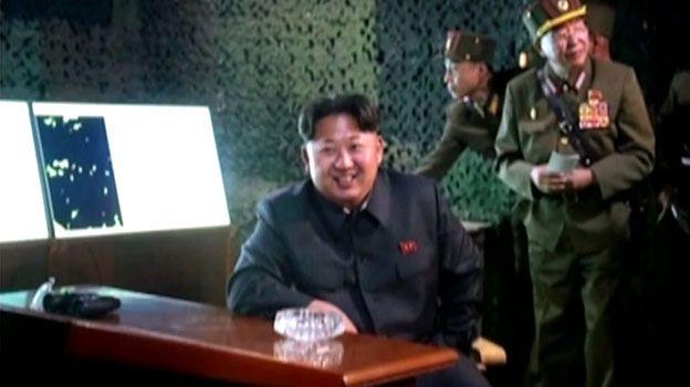 """Kim Dzong Un nadzorował testy nowych """"inteligentnych rakiet"""""""