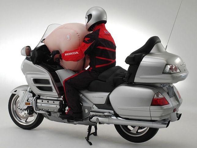 Honda Gold Wing Tour ma poduszkę powietrzną od 15 lat.