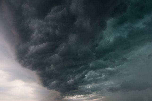 Burzowe chmury pojawią się niemal w całej Polsce